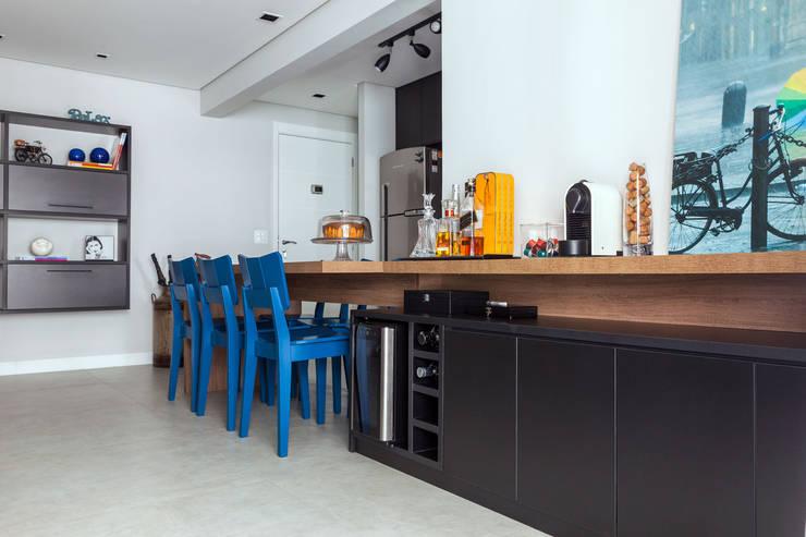 Comedores de estilo  por Márcio Campos Arquitetura + Interiores