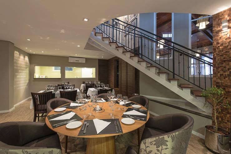 Gastronomia in stile  di Locus Arquitetura, Eclettico
