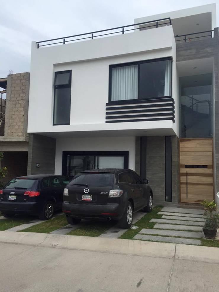 VALLE IMPERIAL: Casas de estilo  por Arki3d