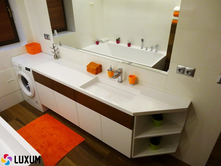 Umywalka z blatem: styl , w kategorii Łazienka zaprojektowany przez Luxum