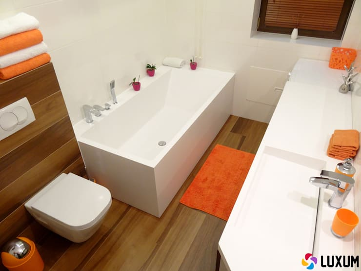 Dopasowana wanna do wymiarów łazienki: styl , w kategorii Łazienka zaprojektowany przez Luxum