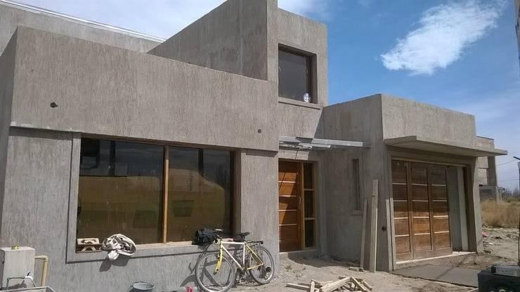 Obra Calle Agustin Alvarez y Capdeville: Casas de estilo  por Arquitecta Elina Zingaretti,