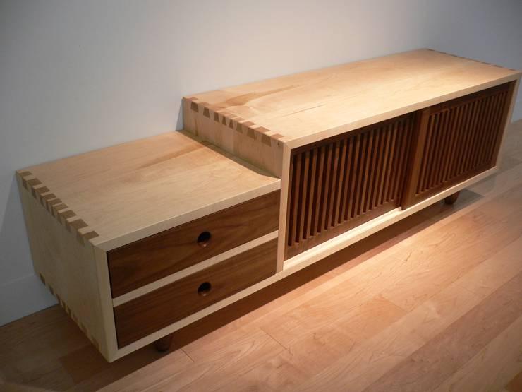 low-board: Loop order furnitureが手掛けたリビングルームです。