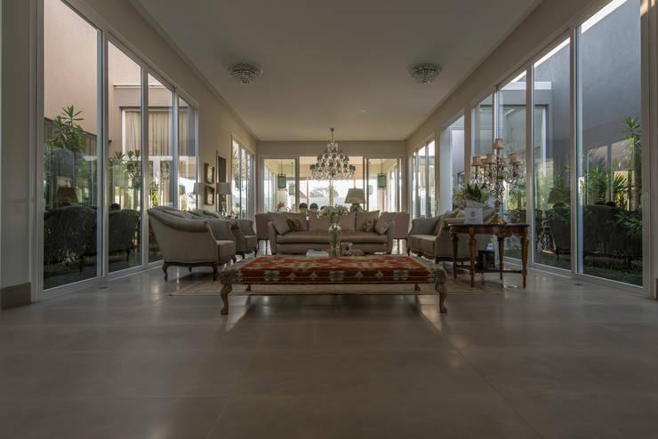 Wohnzimmer von WMP Arquitetura e Ambientação, Modern