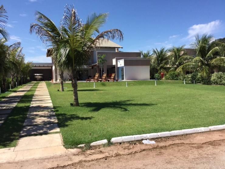 Projeto de Interiores em casa em Aruanã-GO: Jardins  por Beatrice Oliveira - Tricelle Home, Decor e Design,