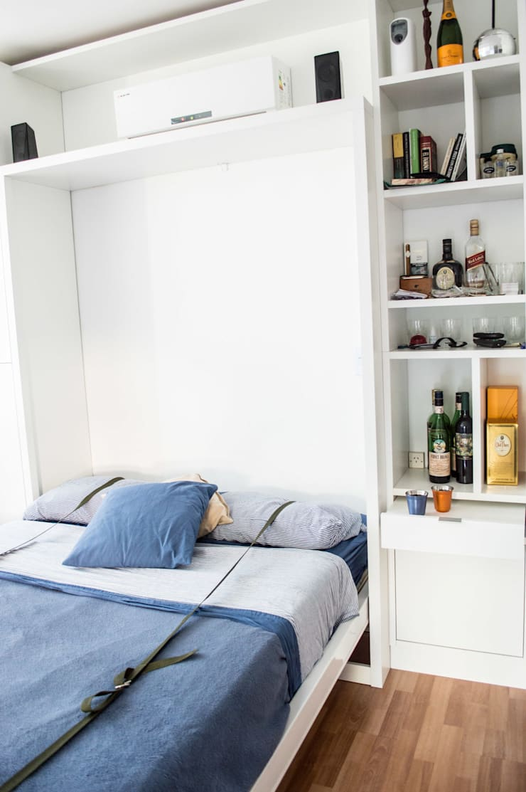 Cama rebatible abierta + biblioteca : Dormitorios de estilo  por MINBAI