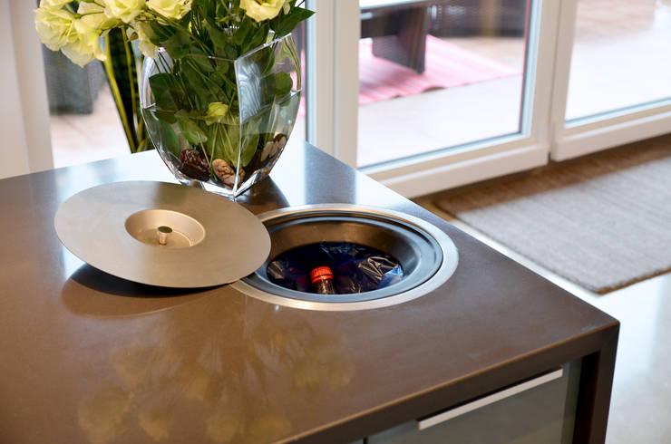 Kuchnia - wnętrze minimalistyczne Pracownia A: styl , w kategorii Kuchnia zaprojektowany przez Pracownia A