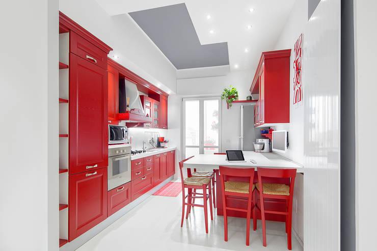 Cocinas de estilo moderno por Cstudio Architettura & Design