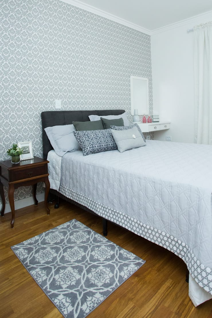 Apartamento – S.B.Campo: Quartos  por Carmen Anjos Arquitetura Ltda.,Clássico Madeira Efeito de madeira
