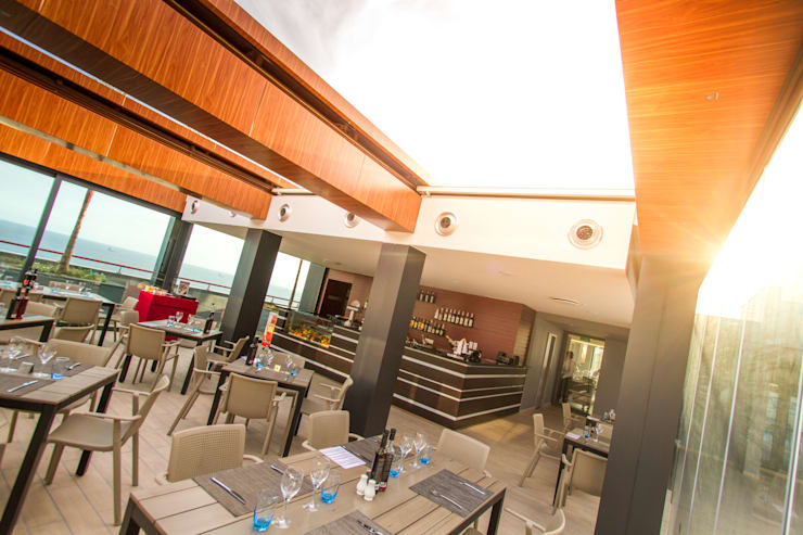 Hotel Four Views Monumental: Hotéis  por Espaço FA – Arquitetura, Interiores e Decoração