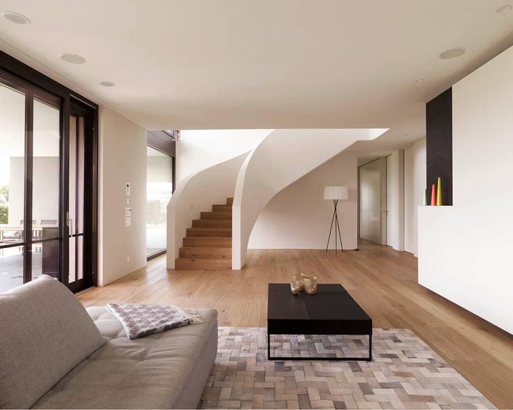 Salones de estilo  de meier architekten zürich, Moderno