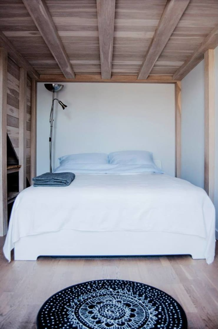 Bedroom by enem.studio, Minimalist