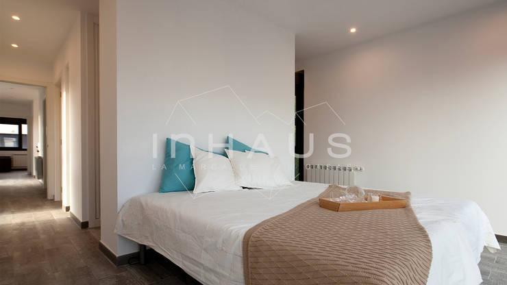 Спальни в . Автор – Casas inHAUS
