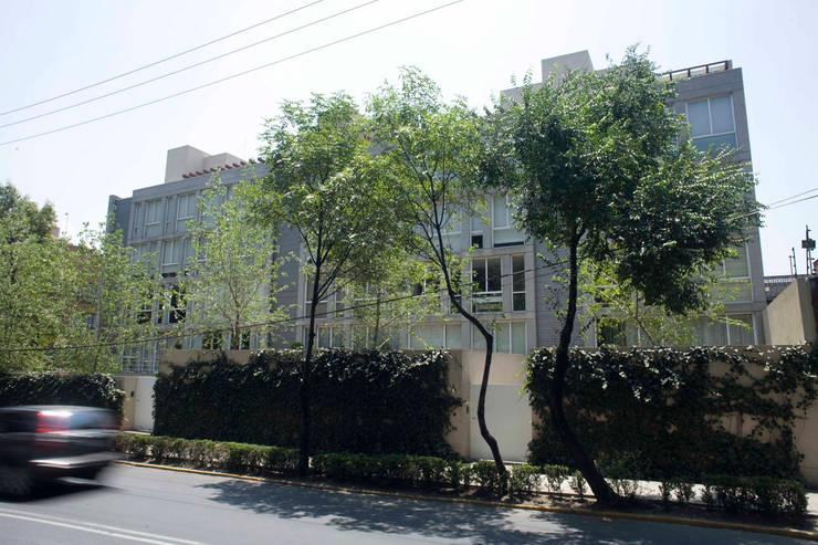 Edificio Castañeda: Casas de estilo  por José Vigil Arquitectos