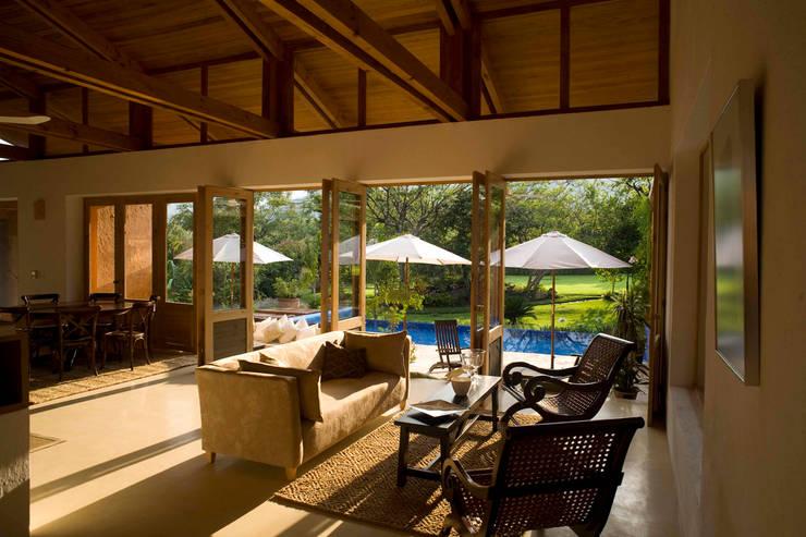 Living room by José Vigil Arquitectos