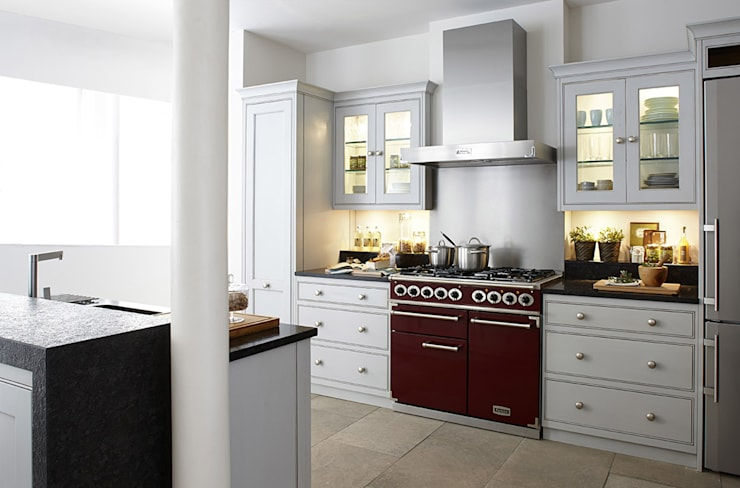 Built-in kitchens by Grange México