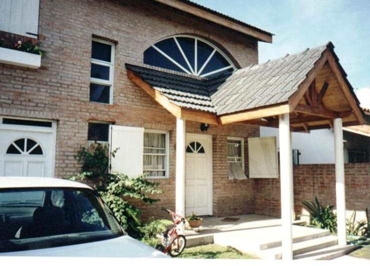 Projekty, nowoczesne Domy zaprojektowane przez AyC Arquitectura
