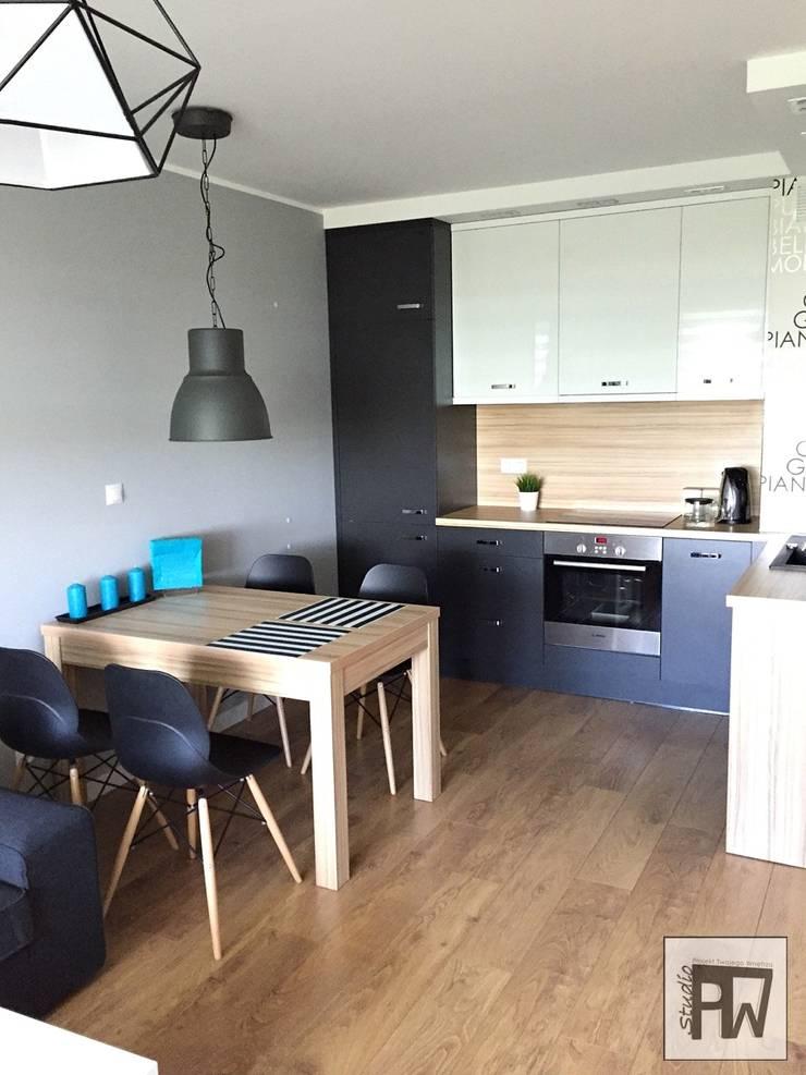 Skandinavische Küchen von PTW Studio Skandinavisch