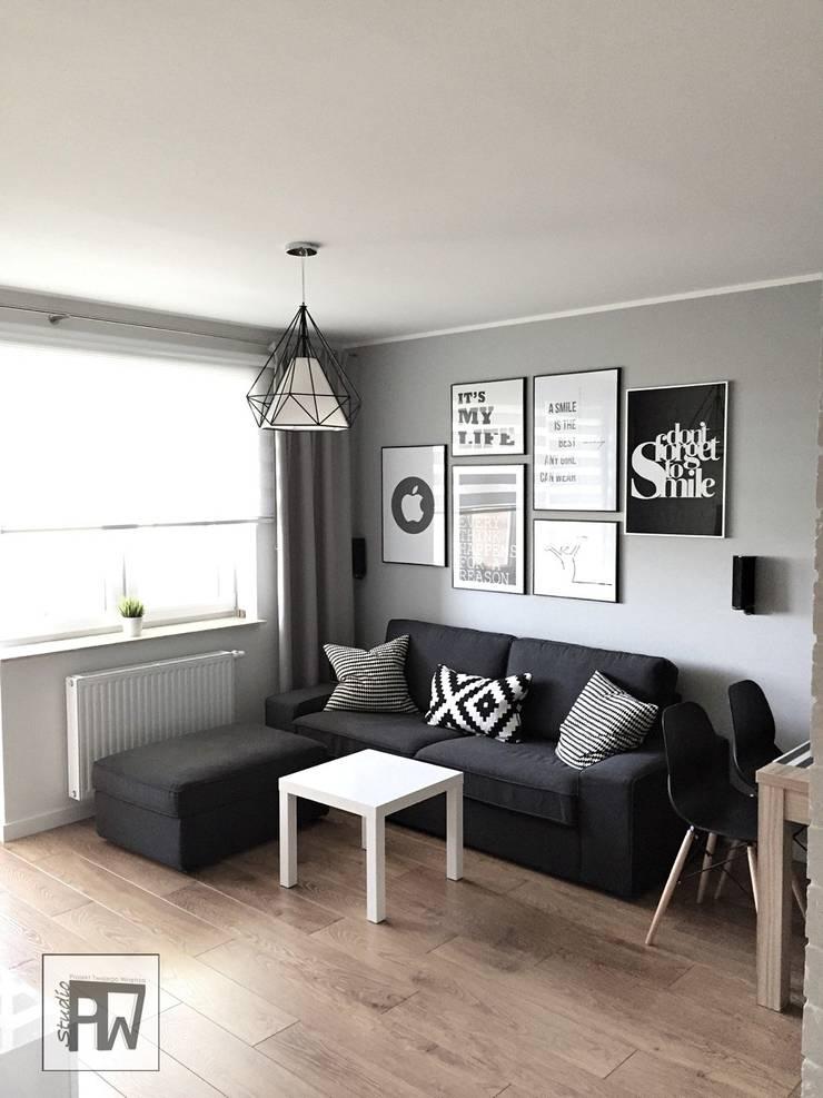 Skandinavische Wohnzimmer von PTW Studio Skandinavisch