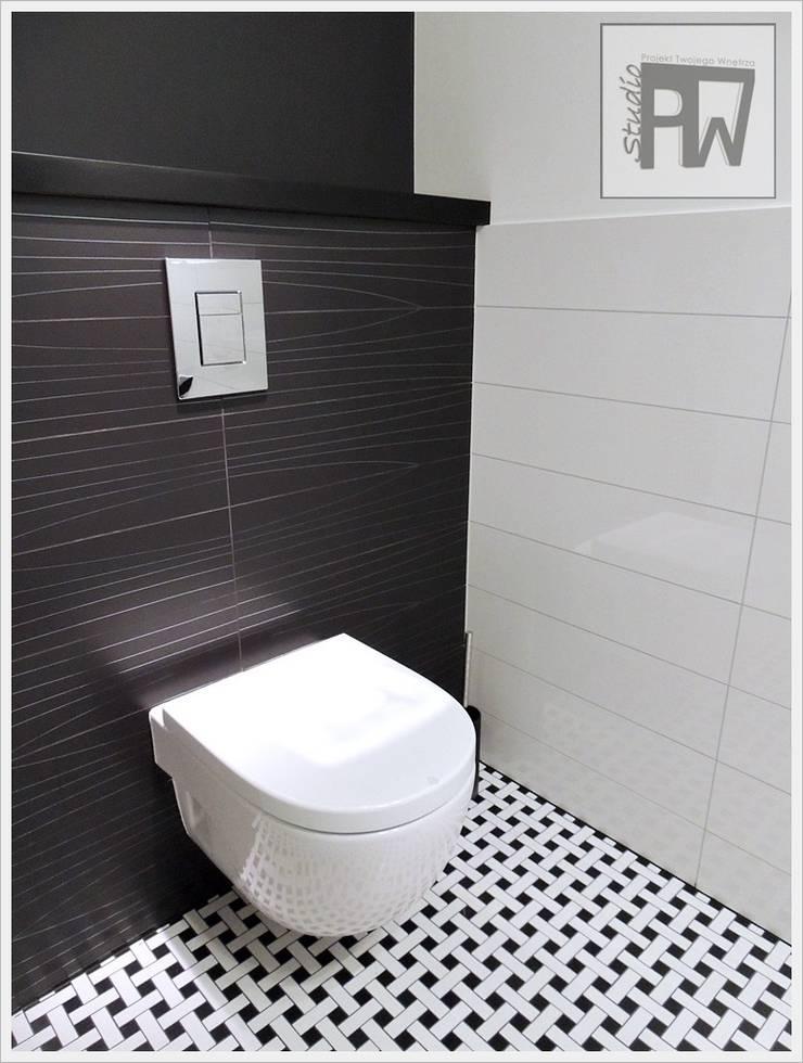 Black&white: styl , w kategorii Łazienka zaprojektowany przez PTW Studio,Nowoczesny Płytki