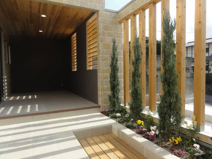 リビング横: DIOMANO設計が手掛けた庭です。