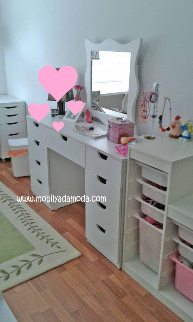 MOBİLYADA MODA  – Ece'nin makyaj masası:  tarz Çocuk Odası, Modern Ahşap Ahşap rengi