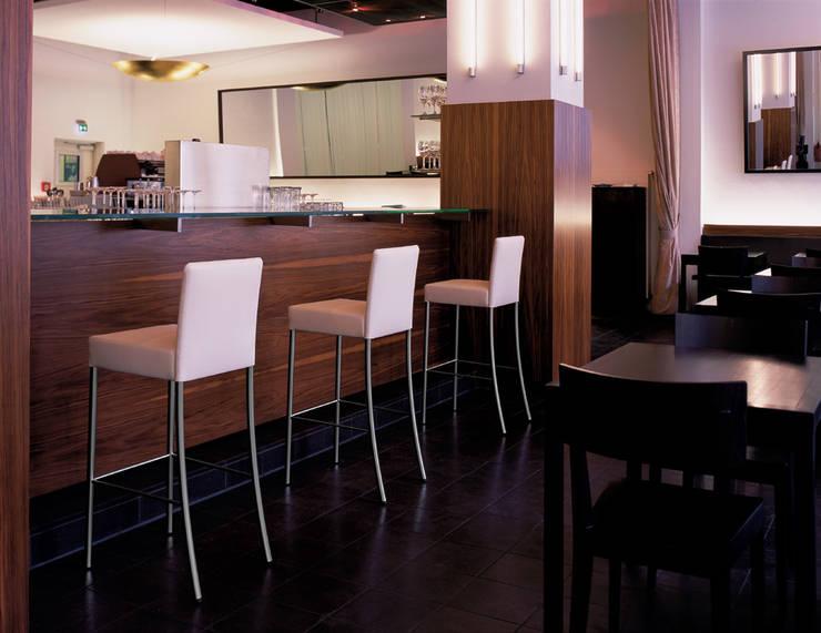 Kitchen by Zimmermanns Kreatives Wohnen
