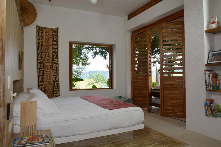 Dormitorios de estilo moderno por Kubik Lab