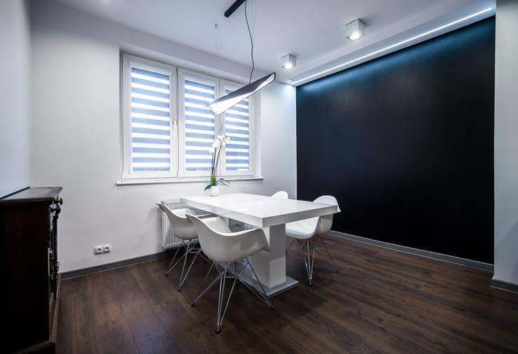 BIURO RACHUNKOWE - Gdańsk: styl , w kategorii Biurowce zaprojektowany przez IDEALNIE Pracownia Projektowa,Industrialny