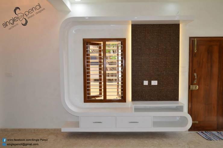 Suresh, vijayanagar:  Living room by single pencil architects & interior designers