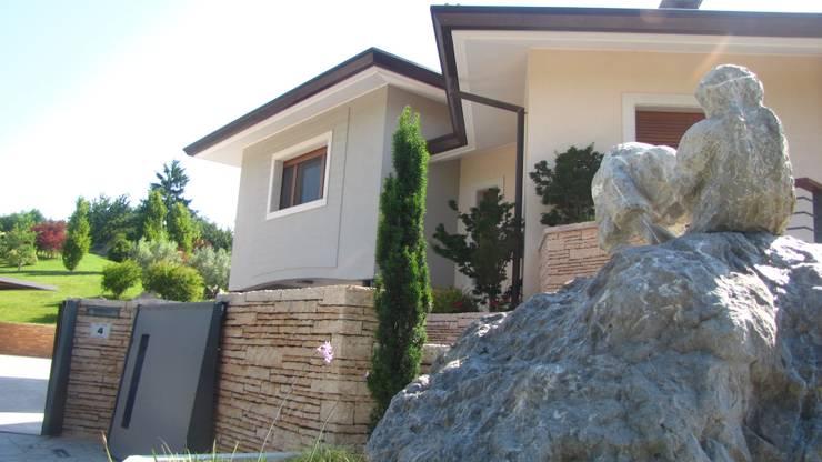 Casas de estilo  de STUDIO DI ARCHITETTURA VERGILIO BURELLO,