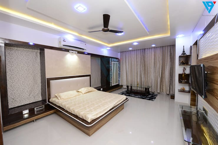 Gulmohor:  Bedroom by V9 - the interior studio