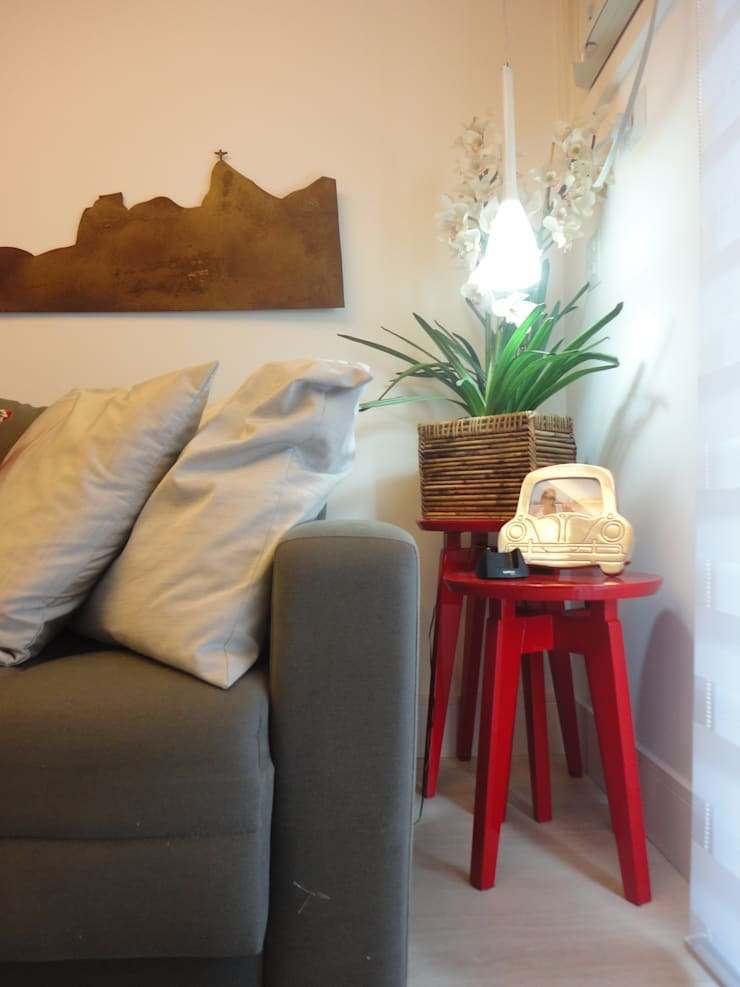 ห้องนั่งเล่น โดย Maria Helena Torres Arquitetura e Design, โมเดิร์น