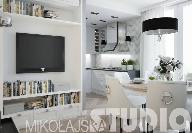 aneks kuchenny-styl glamour: styl , w kategorii  zaprojektowany przez MIKOŁAJSKAstudio