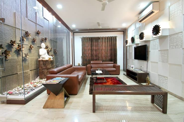 Villa Project:  Living room by Bansal Interiors
