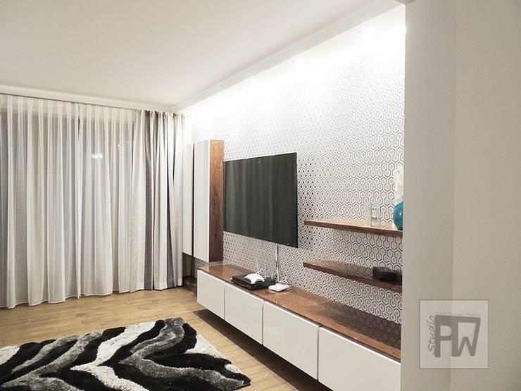 Geometryczna tapeta: styl , w kategorii Salon zaprojektowany przez PTW Studio,Nowoczesny