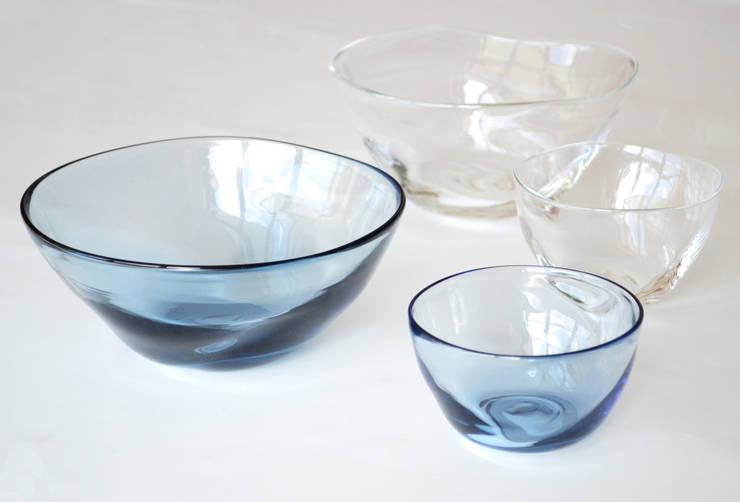ゆらめきボウル: 白神ガラス工房が手掛けたキッチンです。,