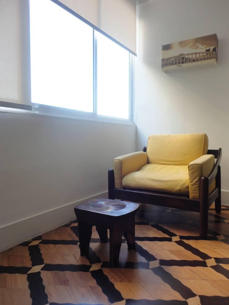 ห้องนอน โดย Maria Helena Torres Arquitetura e Design, ผสมผสาน