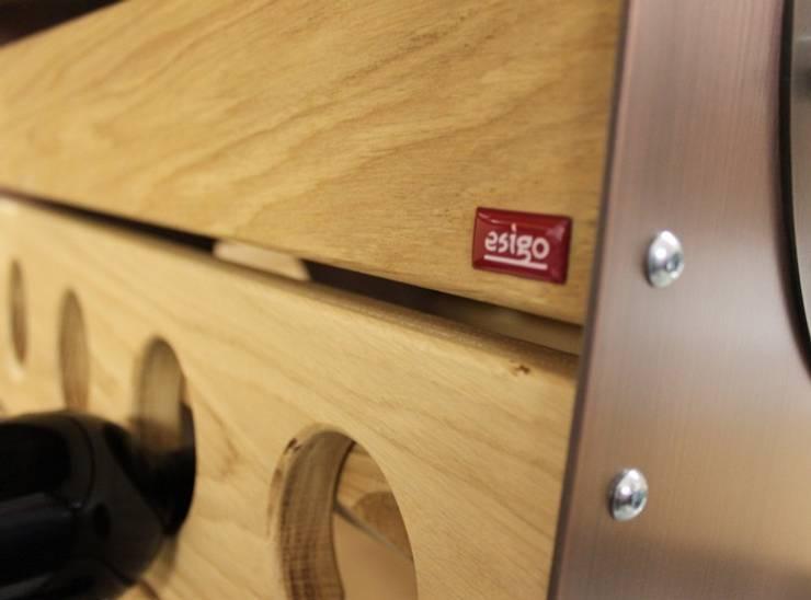 Portabottiglie in legno di rovere massello Esigo 3 Classic Champagne:  in stile  di Esigo SRL, Classico Legno massello Variopinto