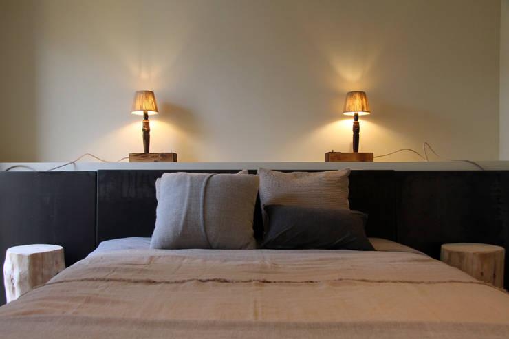 Camera da letto in stile in stile Mediterraneo di Tocat pel Vent