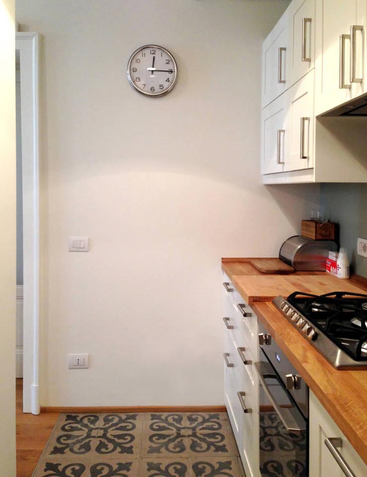 Kitchen by Atelier delle Verdure, Eclectic