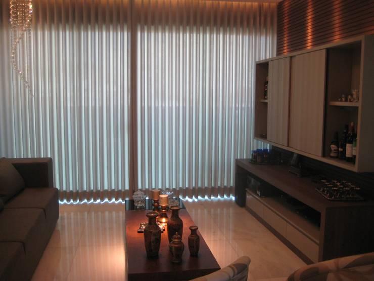 客廳 by Das Haus Interiores - by Sueli Leite & Eliana Freitas, 現代風