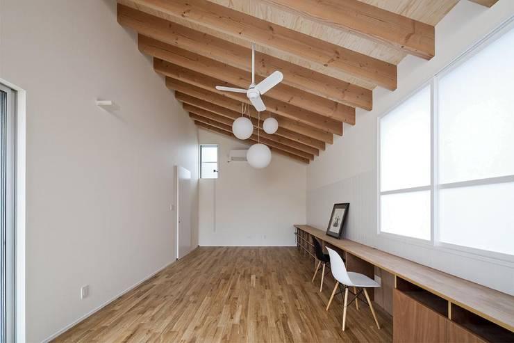 scandinavian Living room by キリコ設計事務所