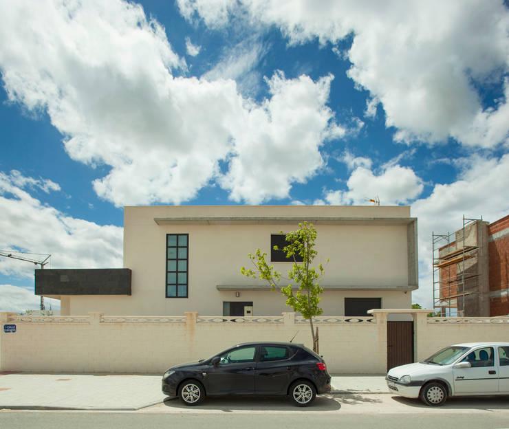 Casa AI: Casas de estilo  de Mascagni arquitectos