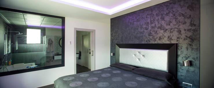 Casa AI: Dormitorios de estilo  de Mascagni arquitectos