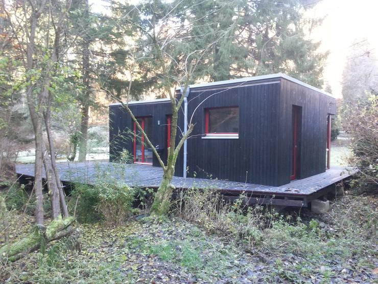 MCB International Timber-Work Limited: modern tarz Evler