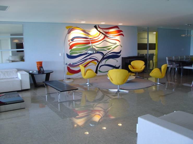 Painel sala de estar: Salas de estar modernas por Complementto D