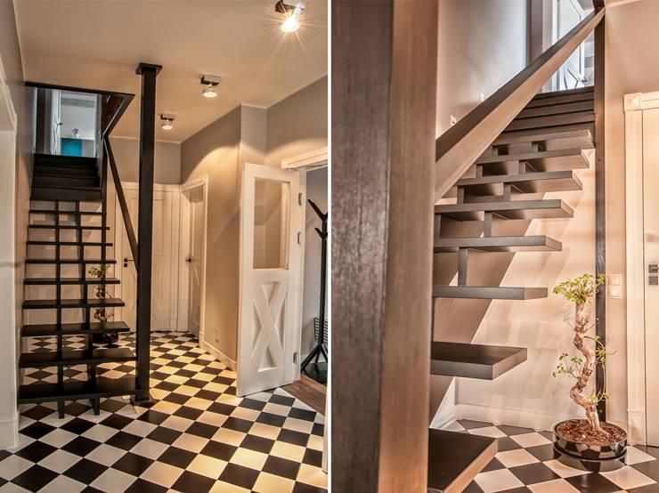 Rustykalna Posiadłość: styl , w kategorii Korytarz, przedpokój zaprojektowany przez Pracownia Architektury Wnętrz Hanny hildebrandt