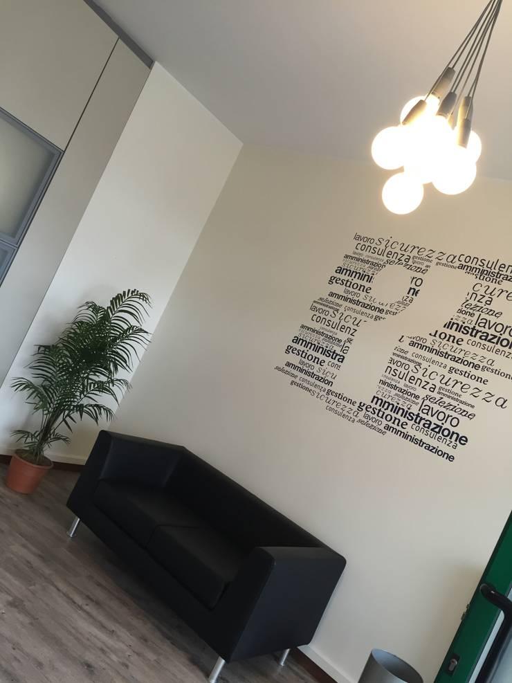 Offices & stores by INNOVATEDESIGN®s.a.s. di Eleonora Raiteri, Modern