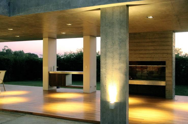 Casas de estilo  por Estudio Cavadini